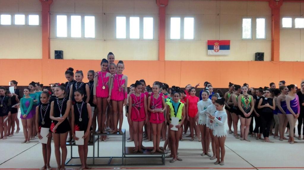"""Finale Prvenstva Srbije u ritmičkoj gimnastici za grupne vežbe u """"B Programu"""""""
